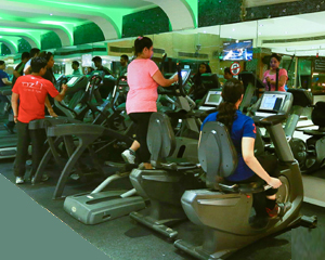 cardio execise in ozi gym & spa